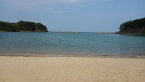 このビーチの美しさはポイントシュートのカメラでは写せない。
